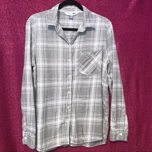 """Old Navy """"The Classic Shirt"""" Women's Button Down"""
